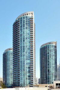 Square-One-Condos-Absolute-Condos