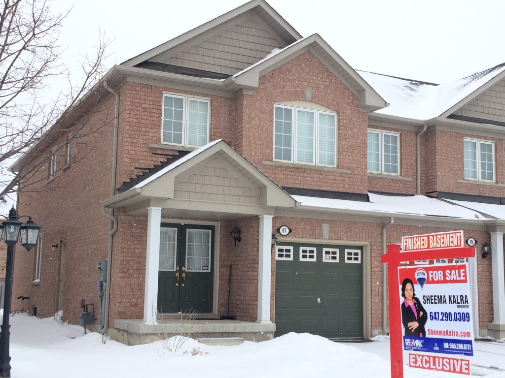 Credit Valley Townhome in Brampton